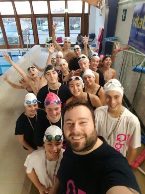 q-bowellness piscina academy propaganda