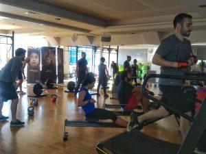 lezione di cross training, un esempio di allenamento funzionale al q-bo wellness