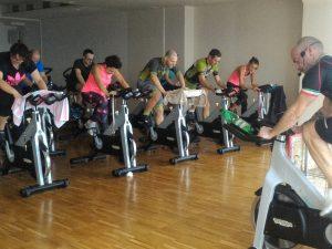 allenamento di gruppo al q-bo wellness: una lezione di spinning con emiliano maurizi